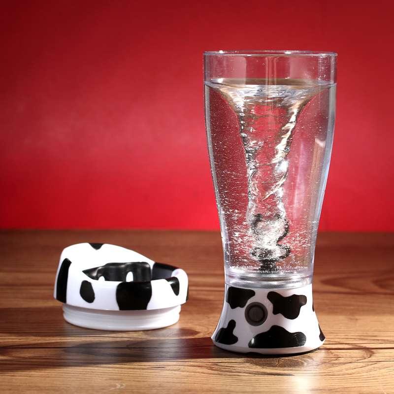 居家生活:便携式奶牛自动搅拌杯:便携式奶牛自动搅拌杯