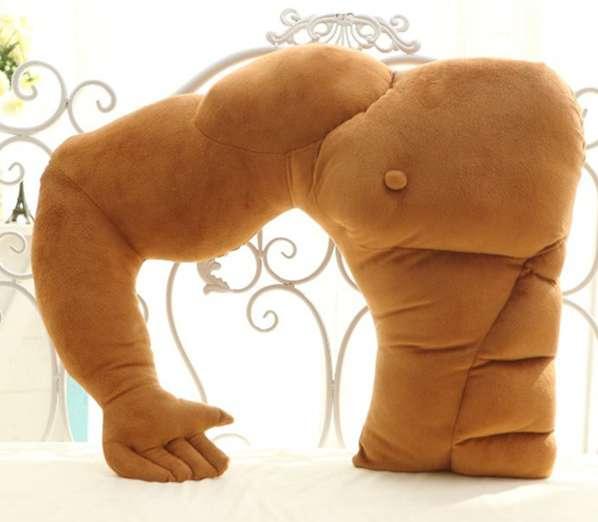 强壮的肌肉男手臂